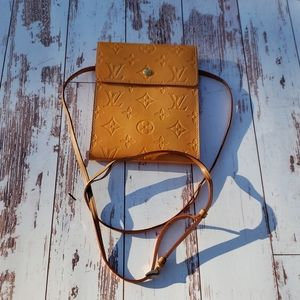 Previously owned Louis Vuitton Vernis Kenmare